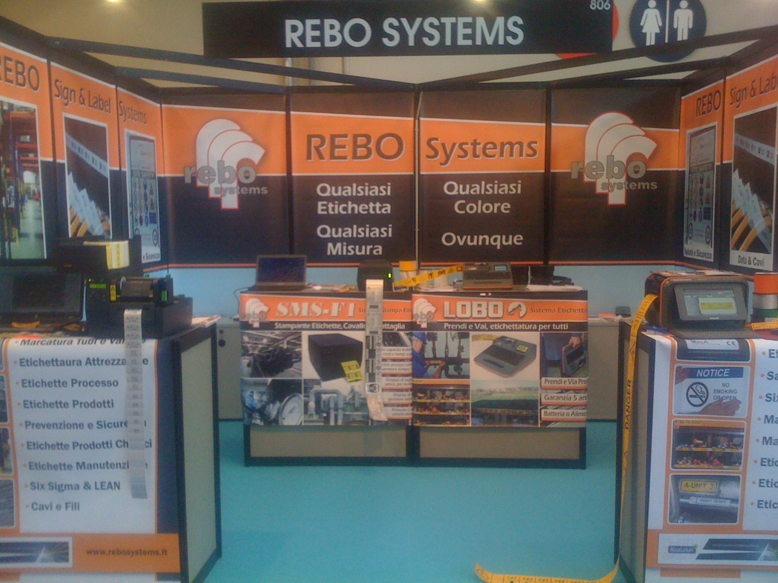 Rebo Stand